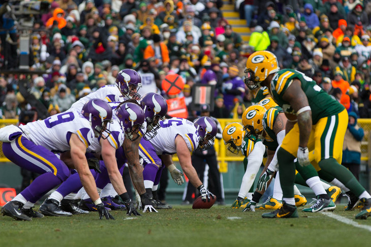 NFL Minnesota Vikings at Green Bay Packers & Event USA (Packers Tickets and Game Packages) | Holiday Gift Giving ...